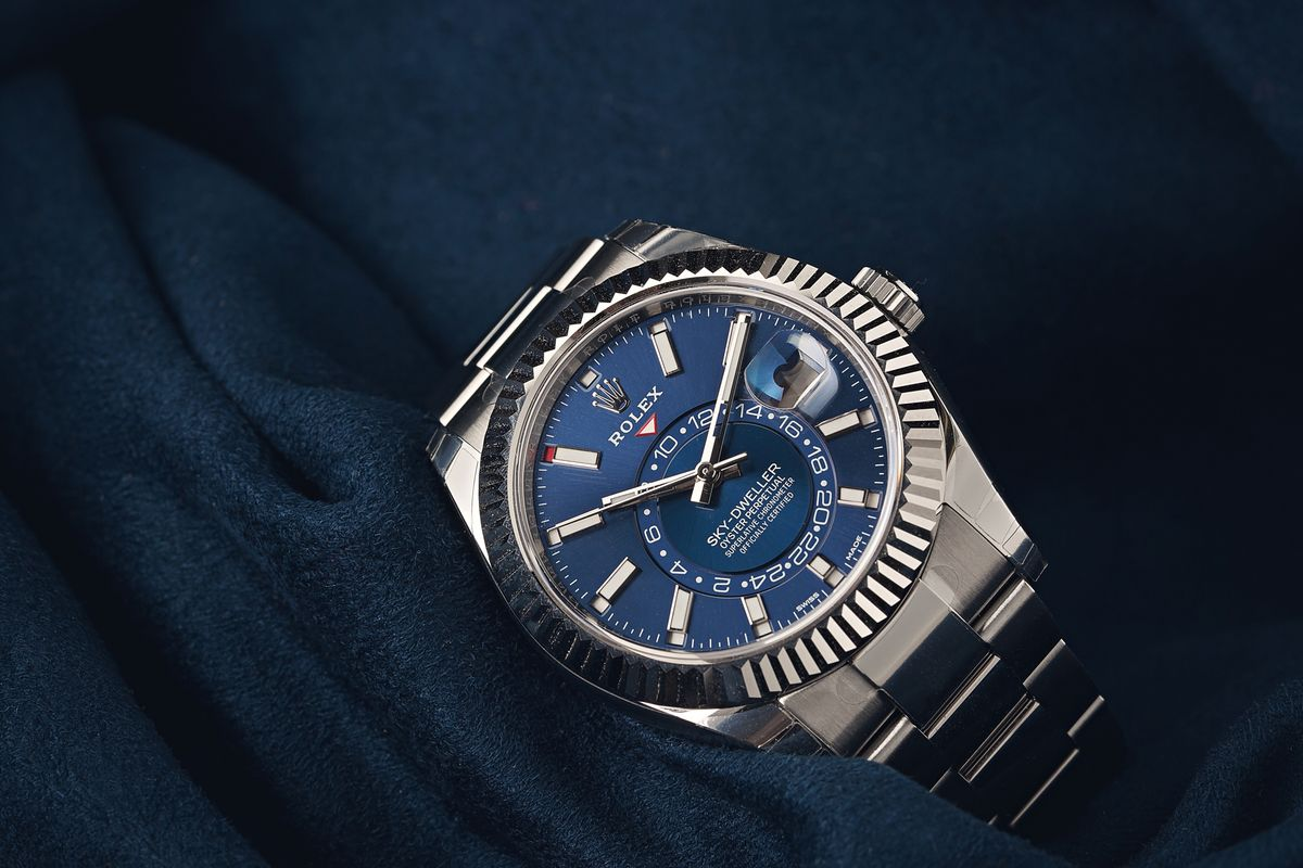 Rolex Shortage - stainless steel Sky-Dweller blue dial
