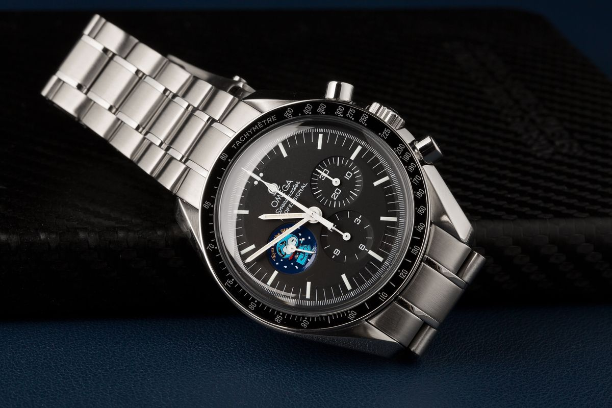 Omega Speedmaster Ultimate Buying Guide Silver Snoopy Edition