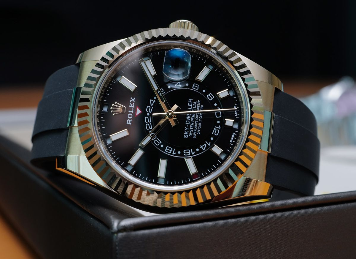 Rolex Sky-Dweller 326238 Yellow Gold Oysterflex Bracelet