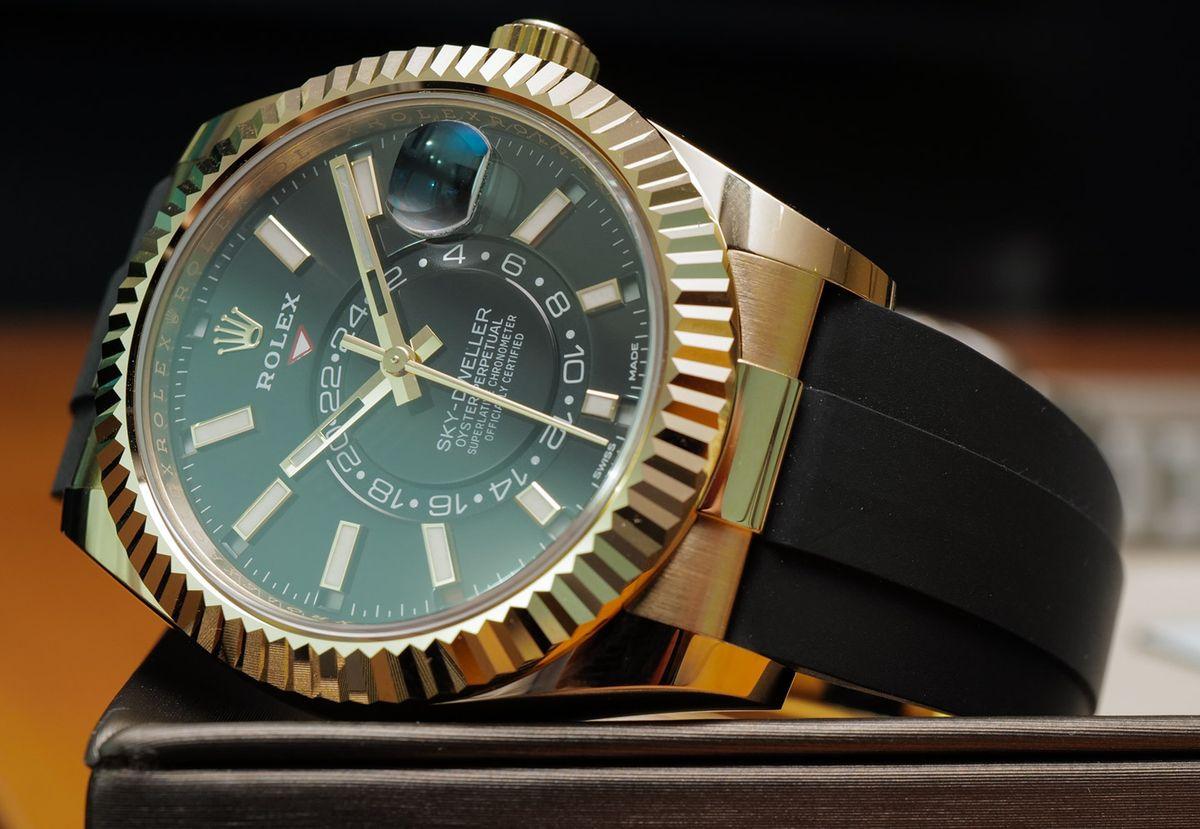 Rolex Sky-Dweller 326238 Oysterflex Bracelet Yellow Gold