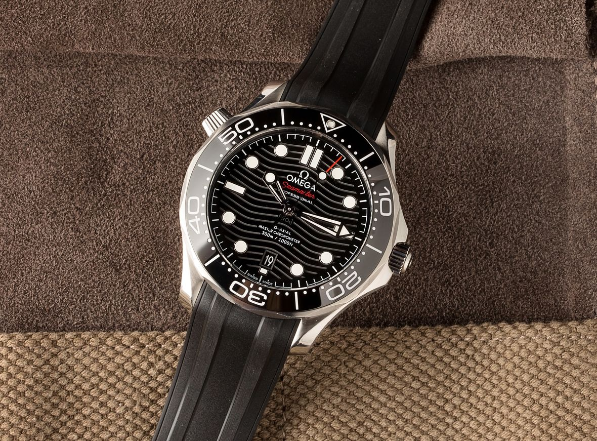 Best Luxury Watches Omega Seamaster Professional Diver 300M Black Dial James Bond