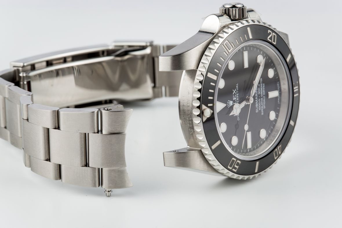 Rolex Cleaning Bracelet Removal Submariner 114060