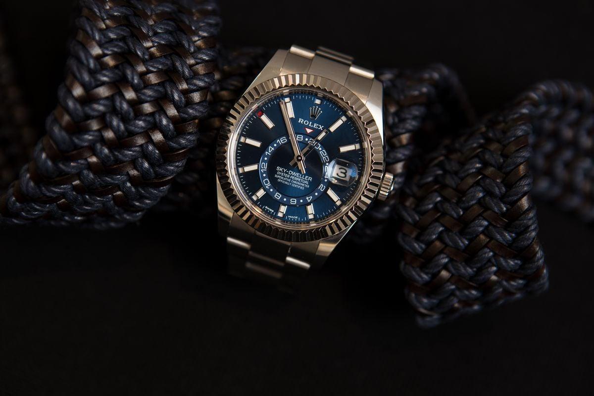 How to Buy Luxury Watch Gift Rolex Sky-Dweller