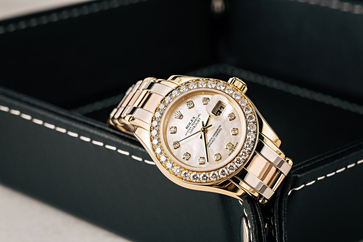 Best Hanukkah Gift Guide Luxury Watch