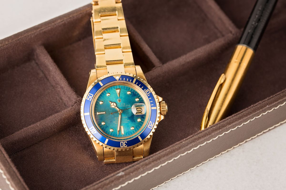 Robb Report Vintage 18k Gold Rolex Submariner 1680 Tropical Dial