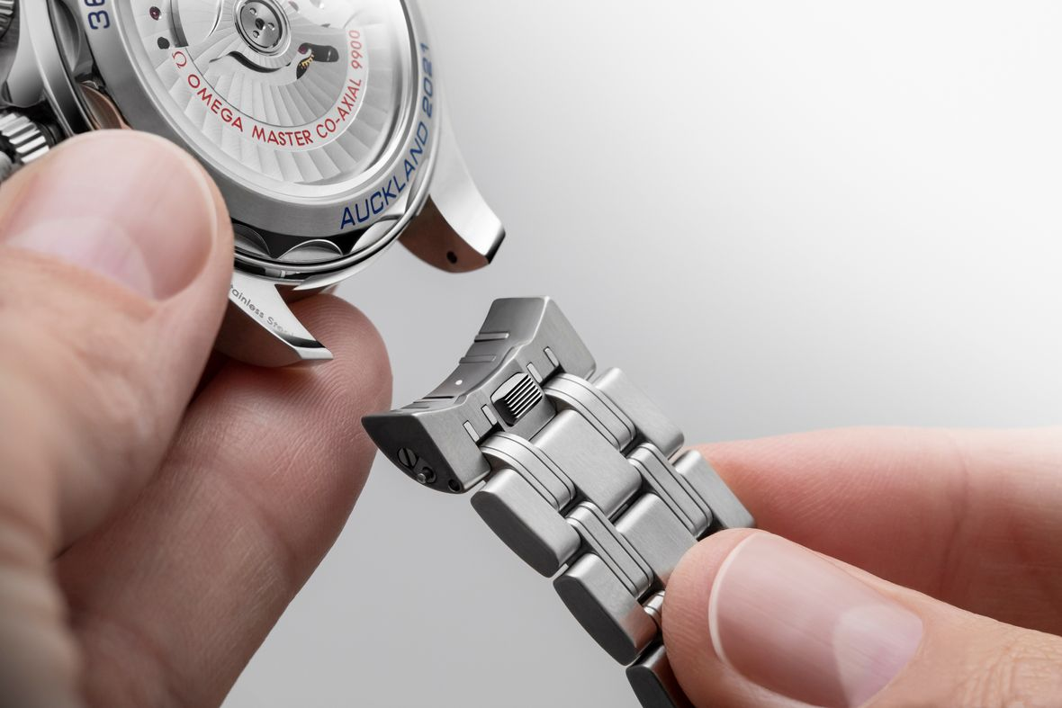 Omega Seamaster Diver 300M America's Cup Chronograph - Quick Change Strap System