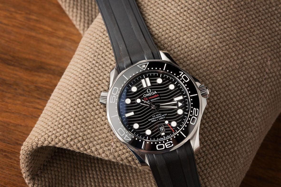 Rolex Submariner 116610LN vs Omega Seamaster Diver 300m