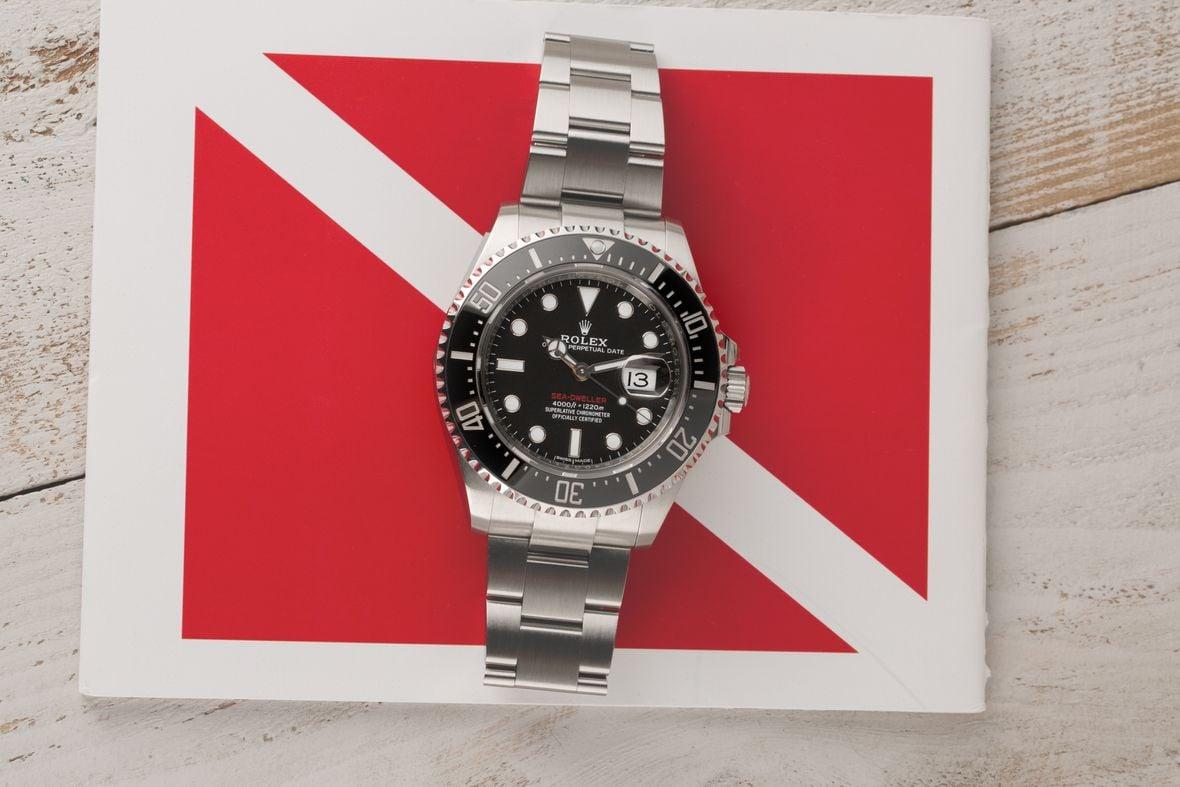 Rolex Submariner vs Sea-Dweller Comparison 126600