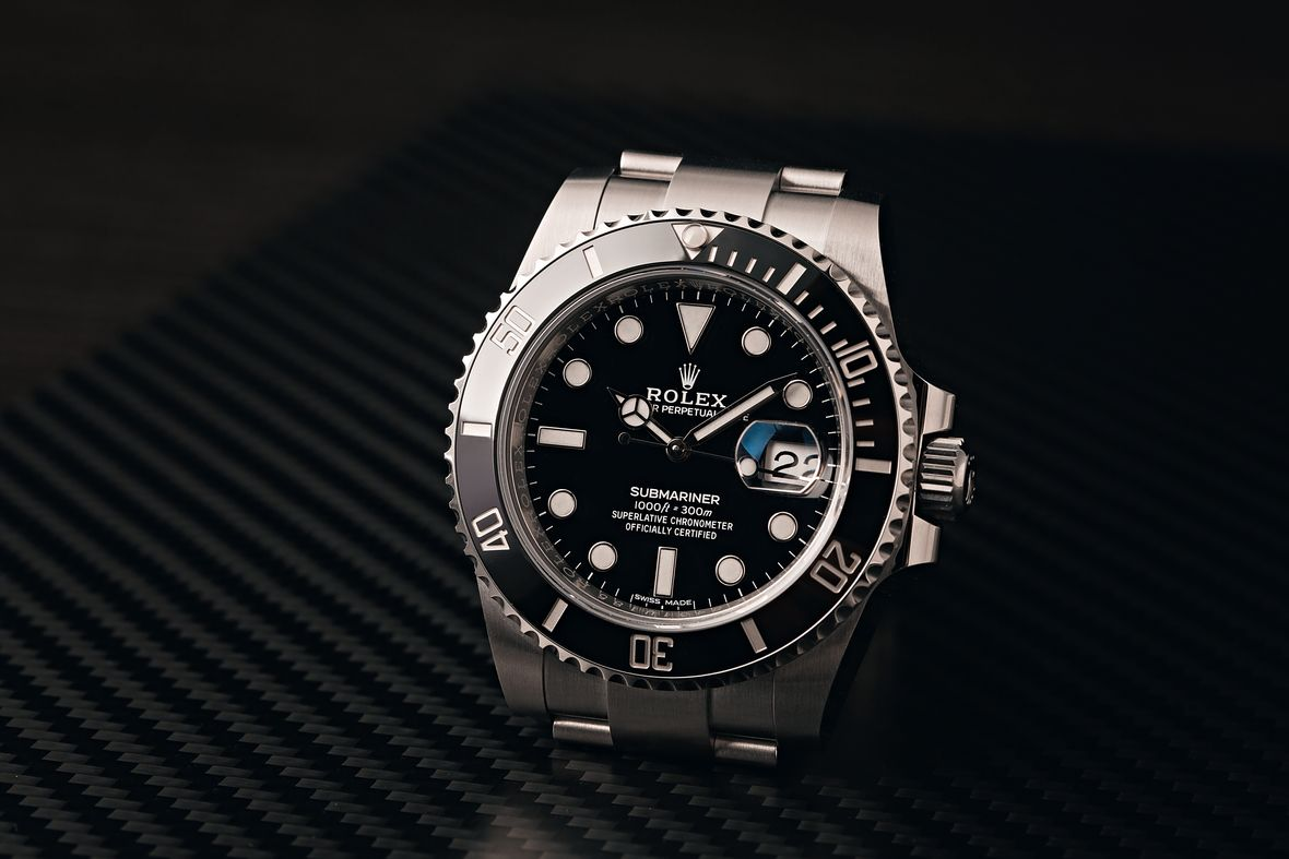 How to tell what Rolex Submariner Date series black dial ceramic bezel 116610LN