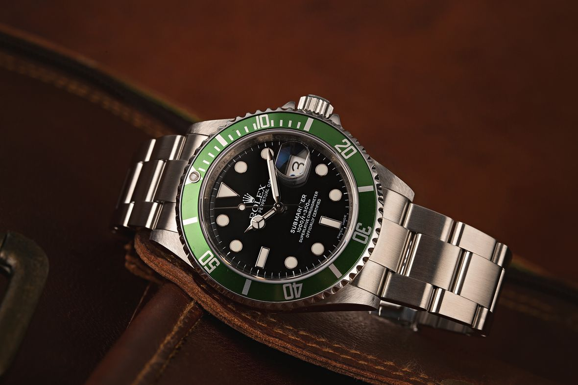 How to tell what Rolex Submariner series green bezel Kermit 16610LV 50th Anniversary