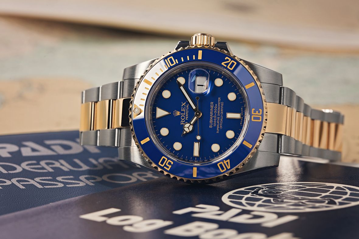 How to tell what Rolex Submariner series 116613LB two-tone blue dial