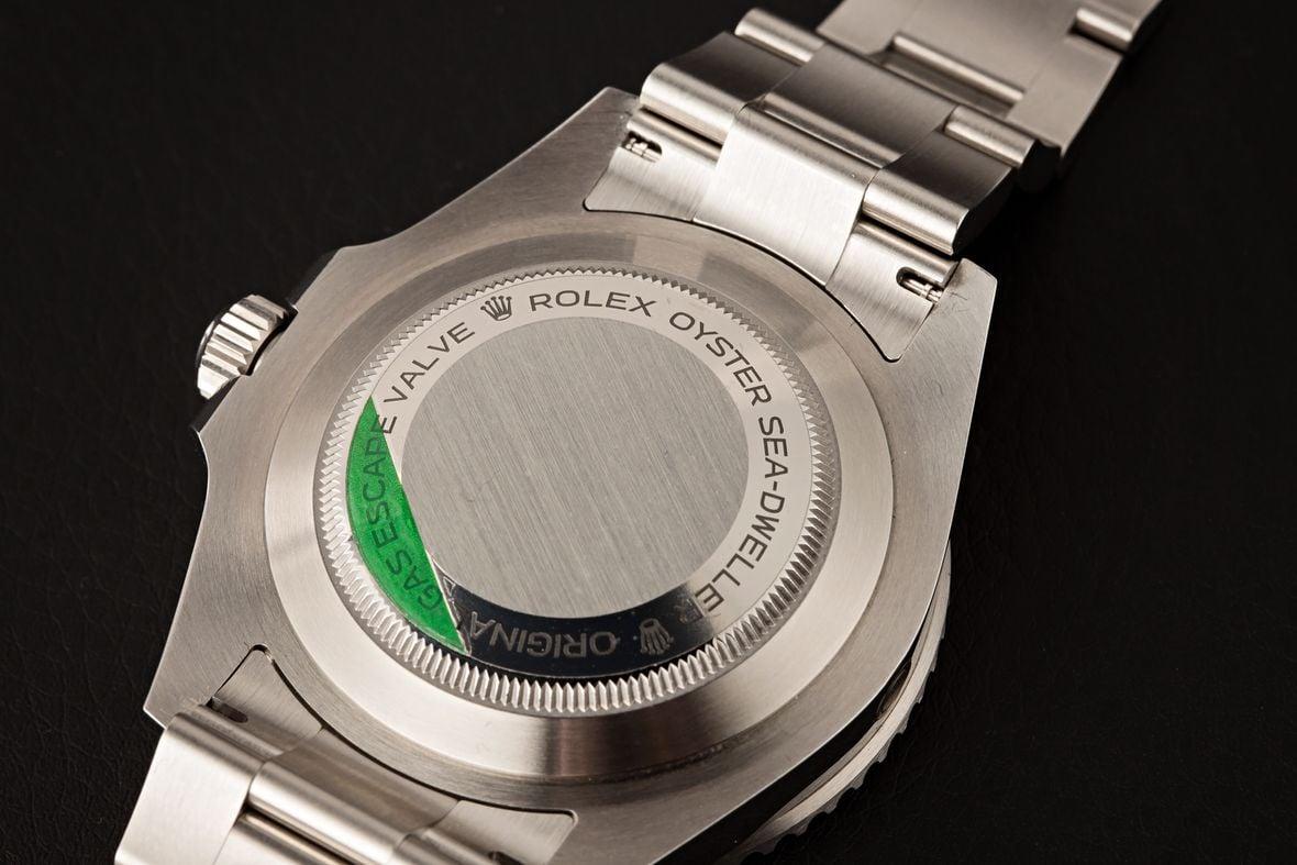 Rolex Submariner vs Sea-Dweller Case-back engraving