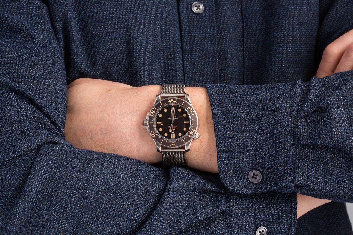 James Bond Omega Seamaster Diver 300M Titanium No Time to Die Mesh Bracelet