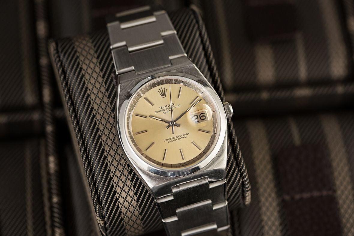 Rolex Date 1530 Integrated Bracelet
