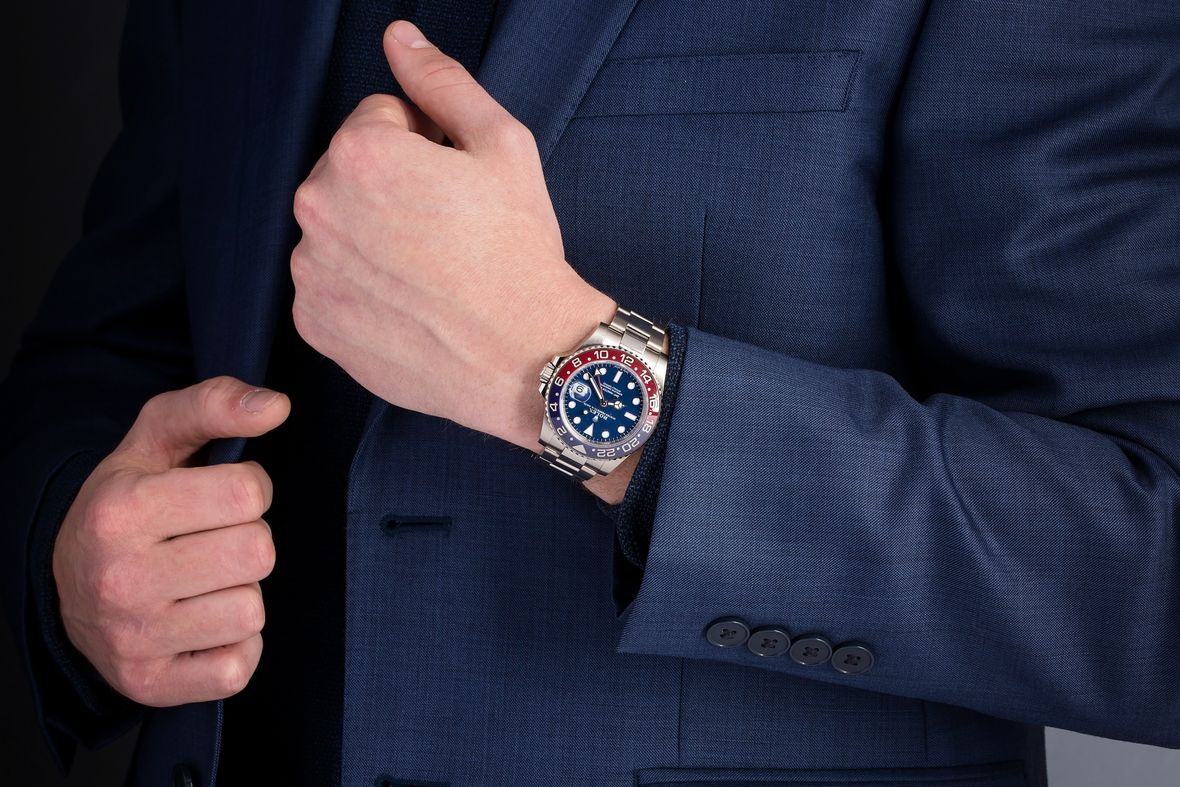 How to Buy a Rolex GMT-Master II Pepsi White Gold