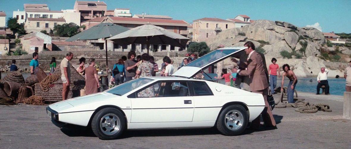Best James Bond Car Lotus Esprit S1
